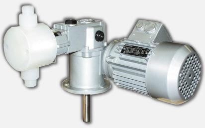 Pompa typu MHBN100PP.  Typ pompy, która najlepiej spełnia zarówno techniczne jak i ekonomiczne wymagania jest wersja    MHBN/MHCN Ten typ pomp jest specjalnie zaprojektowany z głowicą PP, silikonowym uszczelnieniem FDA (do przemysłu spożywczego), gniazdami zaworów i kulami zaworowymi AISI 316L w połączeniu z unikalną mechaniczną membraną OBL z PTFE.